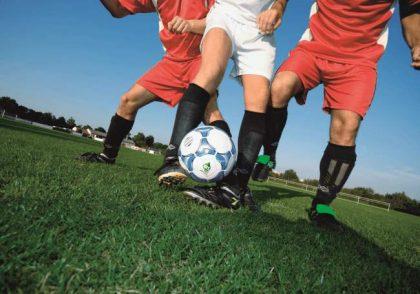 fussballspieler-sportplatzknigge