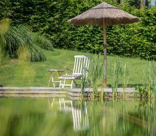 Gartenstuhl am Pool