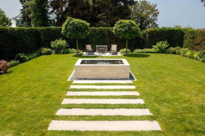 Wasserbrunnen im Garten
