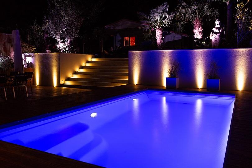 Licht im Garten - Pool